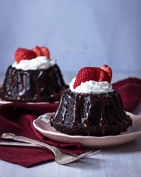 Dark Chocolate Mini Cakes